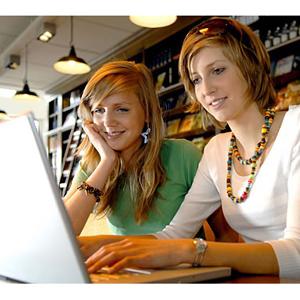 Las adolescentes recurren a sus amigos y compañeros online para encontrar las nuevas tendencias