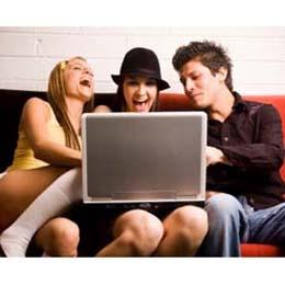 Los jóvenes definen su personalidad siguiendo a las marcas online