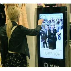 Topshop hace realidad los probadores de realidad aumentada de la mano de Kinect