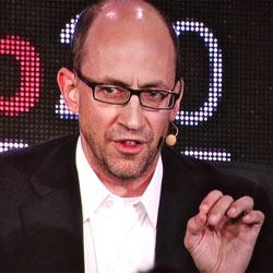 """D. Costolo (Twitter): """"El volumen de información es una oportunidad, pero también un problema"""""""