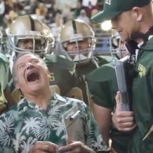 Robin Williams pierde la cabeza en el último spot de las chocolatinas Snickers