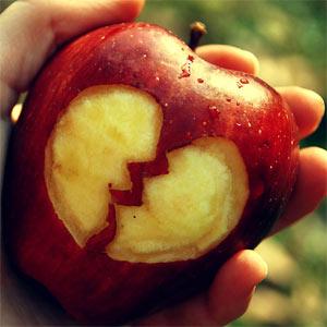 Las artes de seducción de la 'rompecorazones' Apple, al descubierto