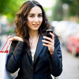 El uso del móvil para tomar decisiones de compra aumenta, pero el m-commerce sigue siendo minoritario