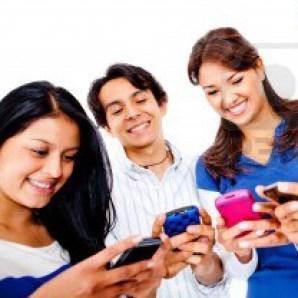 Los jóvenes estadounidenses envían 67 mensajes de texto al día