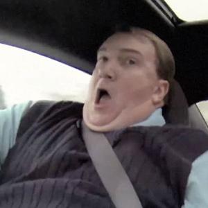 El piloto Jeff Gordon asusta a un vendedor de coches en un viral patrocinado por Pepsi