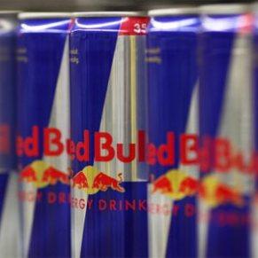 """Unos desconocidos amenazan a Red Bull con contaminar sus bebidas con """"agua de las cloacas"""""""