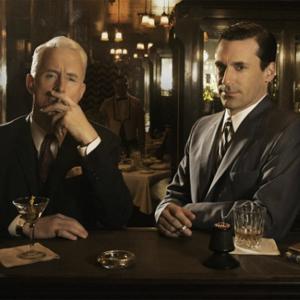 """De los 3 martinis a los 140 caracteres: así ha evolucionado la publicidad desde la era de """"Mad Men"""""""