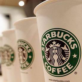 Starbucks UK se suma a la iniciativa de los 'Cafés Pendientes' para personas sin recursos