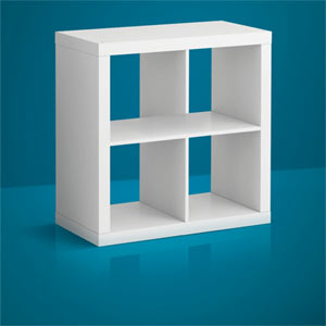 """IKEA se ríe de sí misma en una nueva campaña y reconoce que sus muebles son a veces """"imposibles"""""""