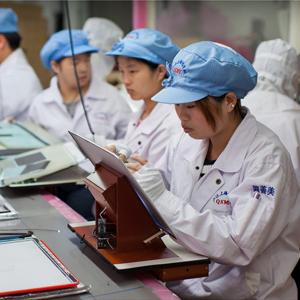 Made in China: el duro día a día de los trabajadores de Apple del otro lado del mundo