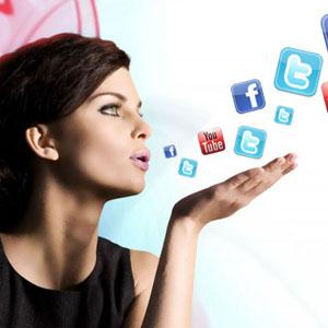 mujeres-y-red-social