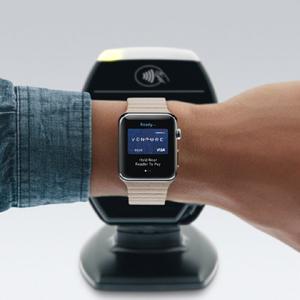 Apple Watch y Apple Pay le dan al pago a través del móvil el