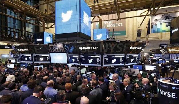 La compra de LinkedIn pone a Twitter en venta