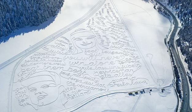 Swisscom y la agencia Heimat plasman mensajes de apoyo en la nieve a sus campeones de esquí