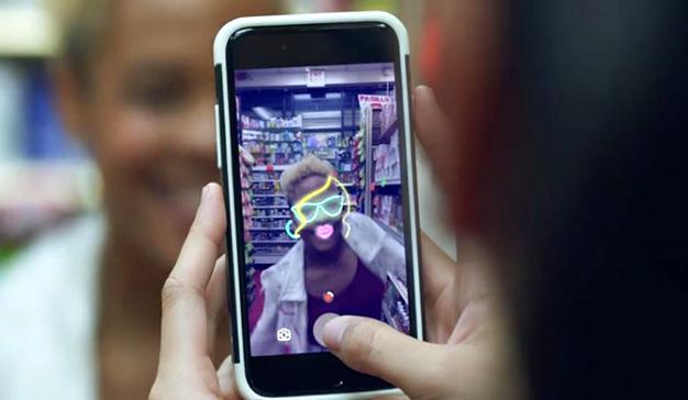 Facebook copia a Snapchat, de nuevo