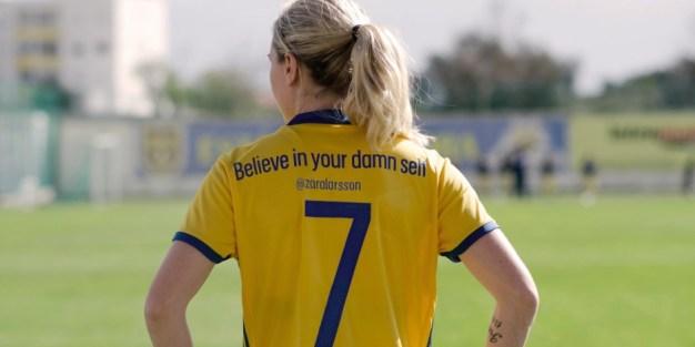 Estas jugadoras cambian los nombres de sus camisetas por frases de empoderamiento femenino