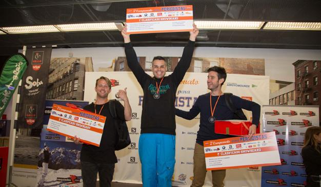 El Segundo Campeonato Madrid SnowZone para periodistas premia a los mejores esquiadores y snowboarders del sector