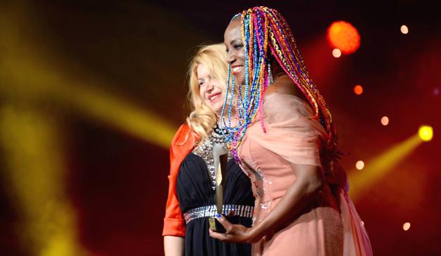 Lucrecia, Premio Latino de Oro a la mejor cantante 2017