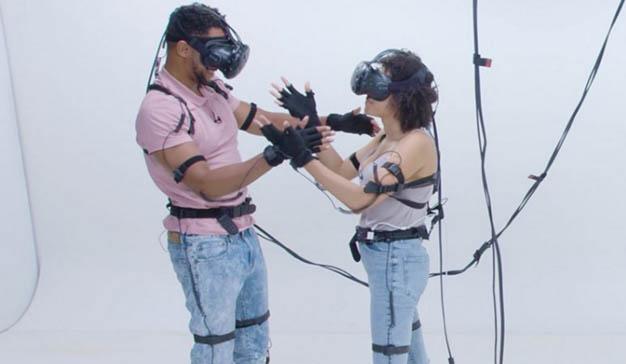 ¿Tendría una cita a ciegas en un universo de realidad virtual?