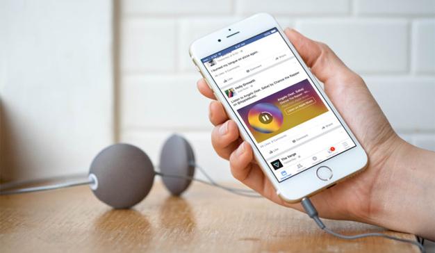 Facebook sella una alianza con Universal Music, que pondrá la banda sonora a la red social