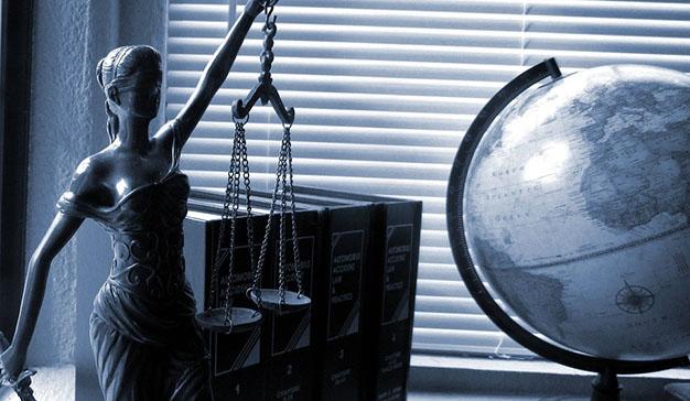 La importancia de los abogados y los peritos judiciales