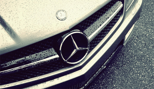 """Mercedes-Benz, a la caza de """"pretendientes"""" que gestionen su cuenta global de medios"""