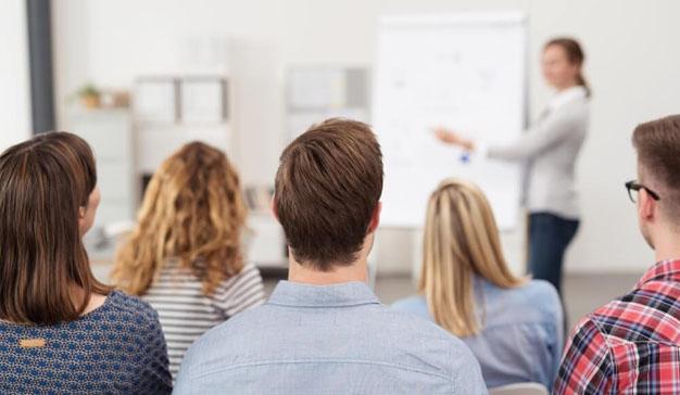 Formación digital para los más emprendedores de la mano de IEBS