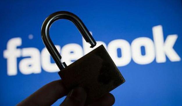 OCU exige a Facebook saber si el caso Cambridge Analytica afecta a España