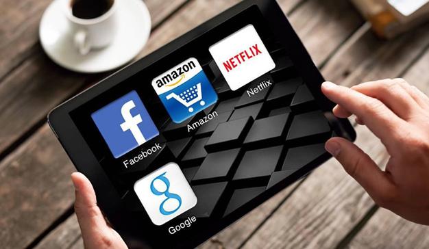 Los gigantes digitales hacen números: las compañías a las que les dan las cuentas (y a las que no)