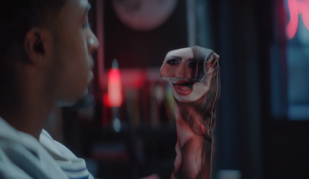 Pornhub lanza unos calcetines para calzar (y manchar) en los momentos de soledad (sexual)