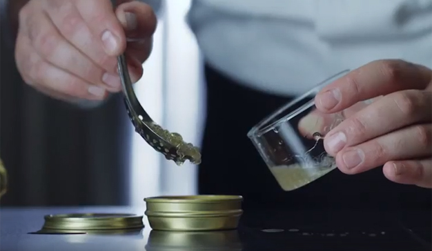 Carlsberg crea el primer caviar de cerveza para celebrar el Mundial de Rusia 2018