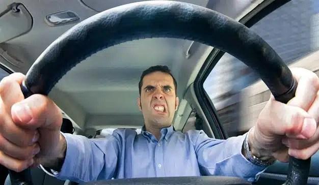 9 días al año pasan los automovilistas en el tráfico de la CDMX