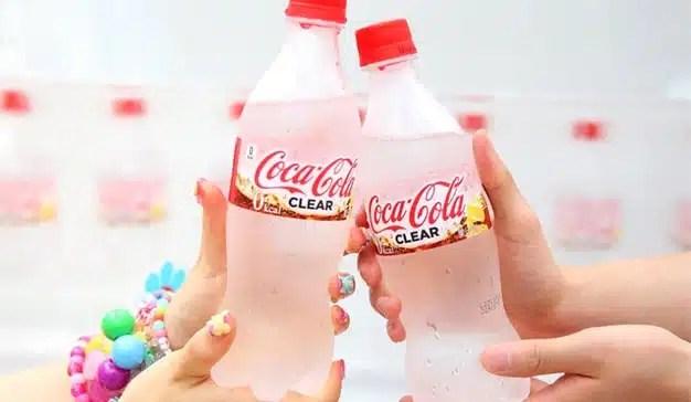 Coca-Cola cambia de color en Japón para unirse a la moda de las bebidas transparentes