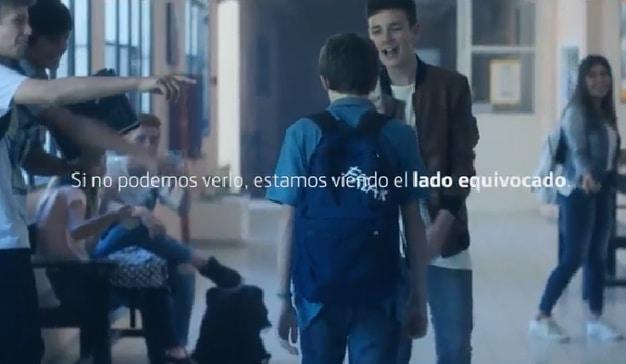 Movistar muestra una desgarradora visión del cyberbullying con dos perspectivas