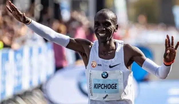 Nike rinde homenaje a Eliud Kipchoge, que ha roto todos los récords de la maratón, con este spot