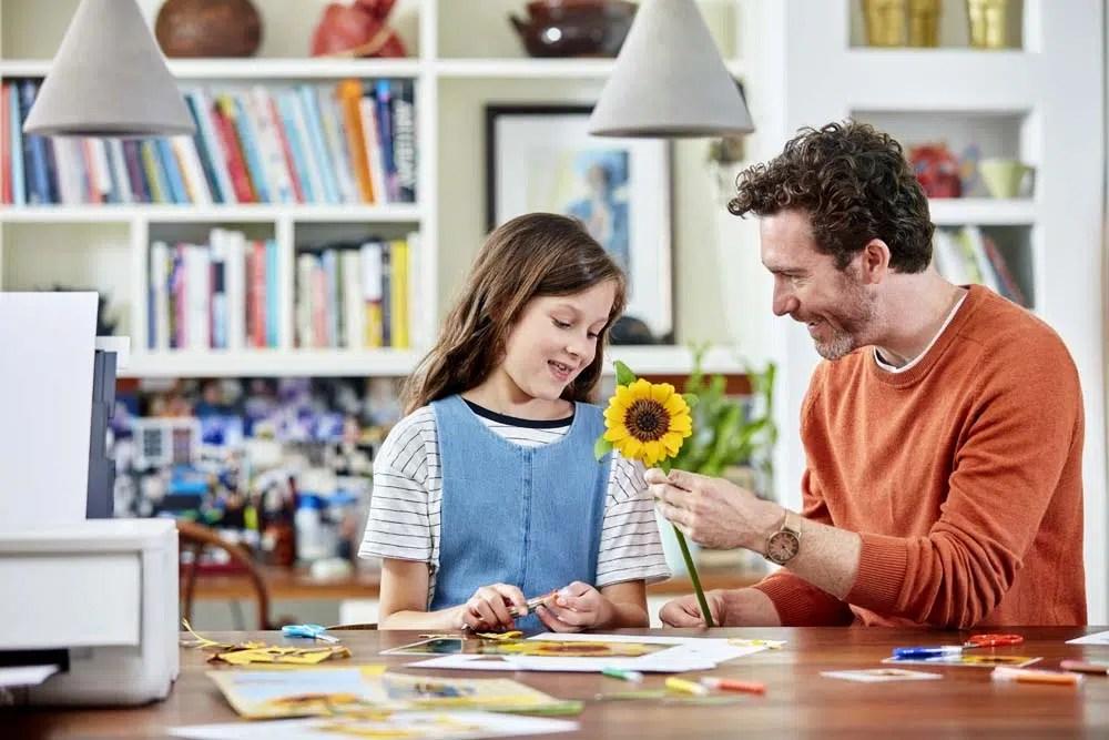 ¿Por qué las fotos impresas producen beneficios emocionales a los niños?