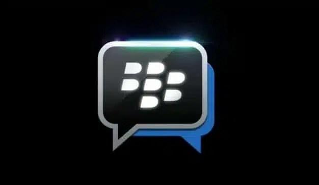 Facebook demanda a BlackBerry por apropiarse de su tecnología de mensajería de voz