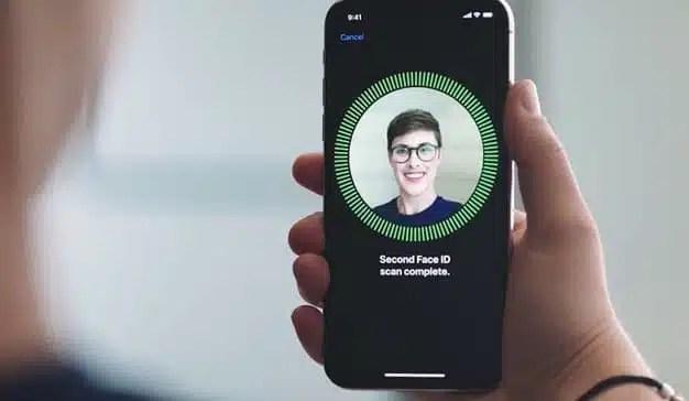 Apple no planea añadir Touch ID en la pantalla de sus nuevos modelos de iPhone