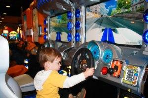 arcade-1-arm-car