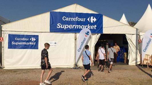 Carrefour abre un supermercado efímero en el Festival Internacional de Benicàssim