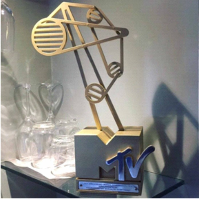 Airtel Smart Icon, Patoranking wins Song of the Year at the MAMA's -marketingspace.com.ng