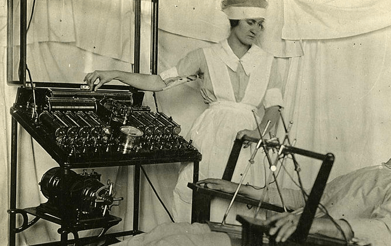 Bergonic Chair for administering electric shocks to patients. Wikicommons.