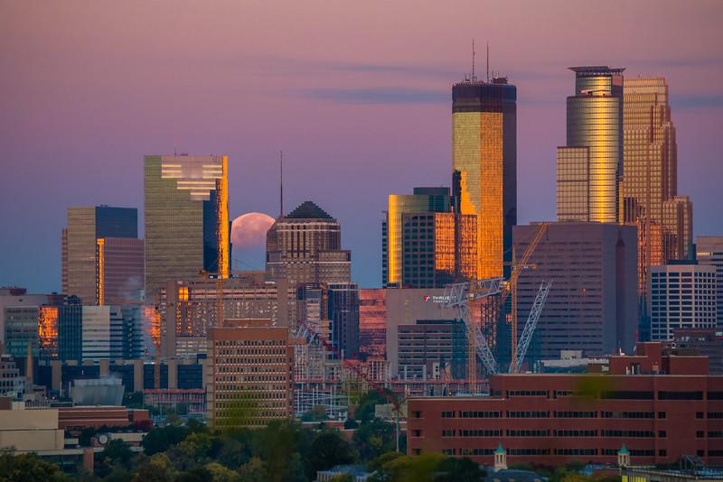 Lunar Eclipse October 2014, Minneapolis skyline and moon