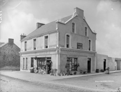 Shortis store in approximately 1901.