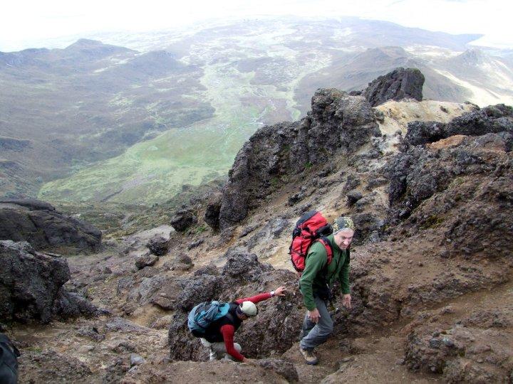 Scrambling just beneath the summit of Rumiñahui Central