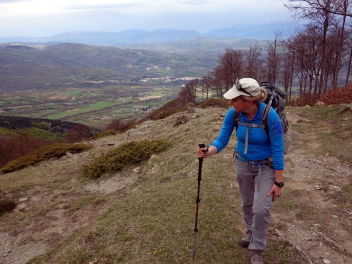 Edita on the way up Pizzo di Sevo, with Amatrice in the valley below