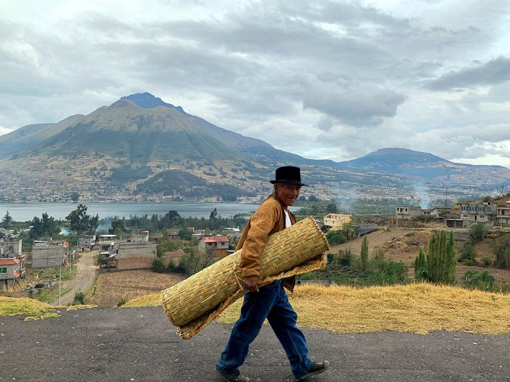 Imbabura, Lago San Pablo, and a friendly chap with a carpet (Photo: Edita Horrell)