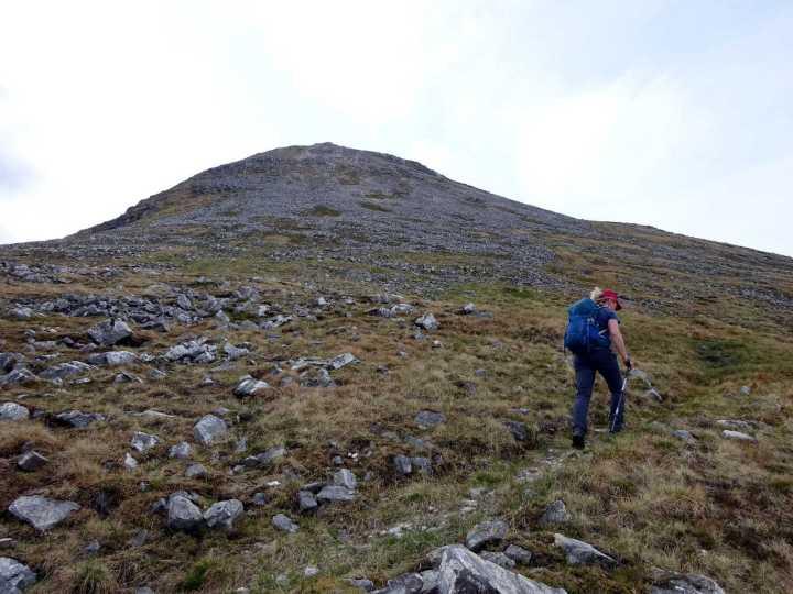Skirting around Binnein Beag's north side