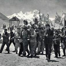Did Chinese climbers reach the summit of Everest in 1960?