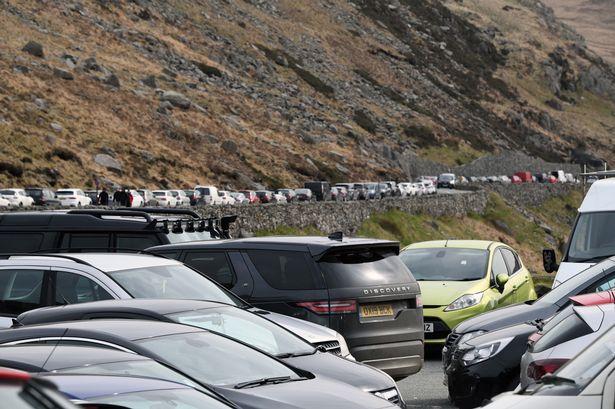 Pen y Pass car park Snowdon last weekend (Photo: Arwyn Roberts)